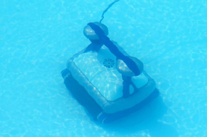 Les 2 types de robots de piscine